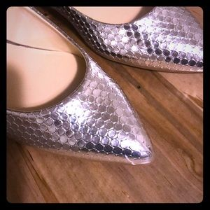 """Nine west flats, bright silver, """"onlee"""" size 8.5m"""